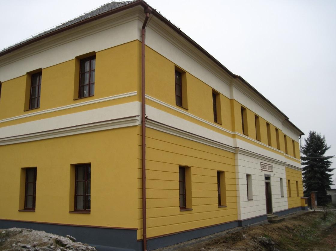Dům sociálních služeb Chrášťany - obecná škola čp.5